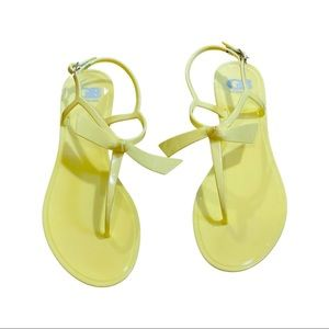 New Gianni Bini yellow Ob-Sessed bow buckle sandal